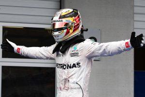 Race winner Lewis Hamilton (GBR) Mercedes AMG F1 W07 Hybrid celebrates in parc ferme. 03.07.2016. Formula 1 World Championship, Rd 9, Austrian Grand Prix, Spielberg, Austria, Race Day. Photo : XPB / Icon Sport