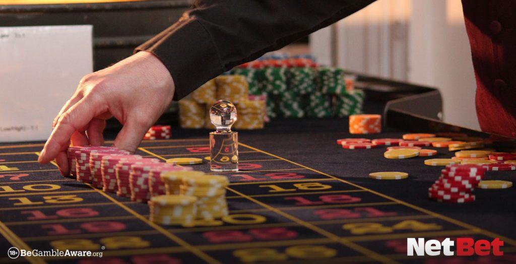 casino croupier counting